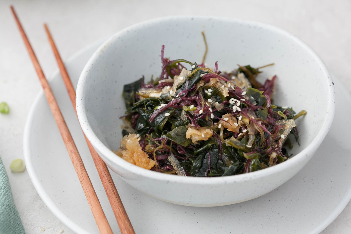 A bowl of seaweed salad made with healthy ingredients and is gluten free.